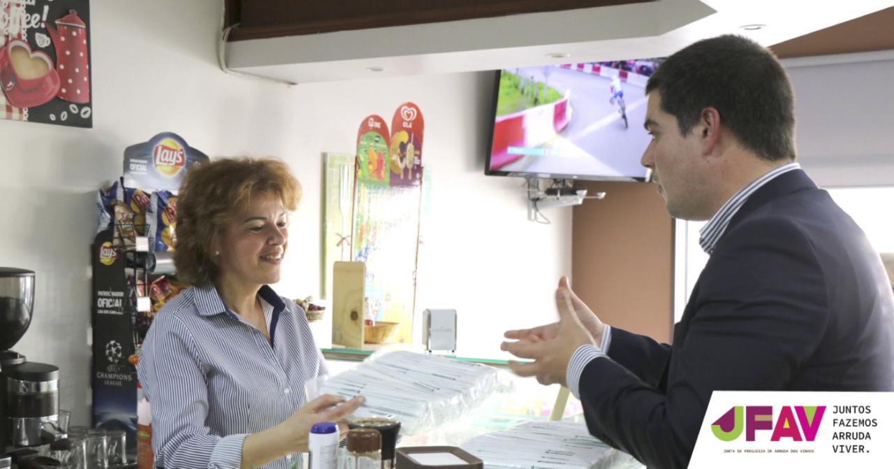 Junta distribui palhinhas biodegradáveis pelo comércio local