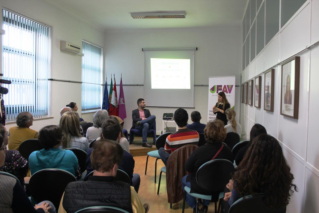Freguesia debateu o Voluntariado Global e Local