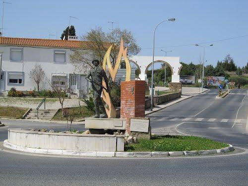 Monumento dedicado ao Bombeiro Voluntário